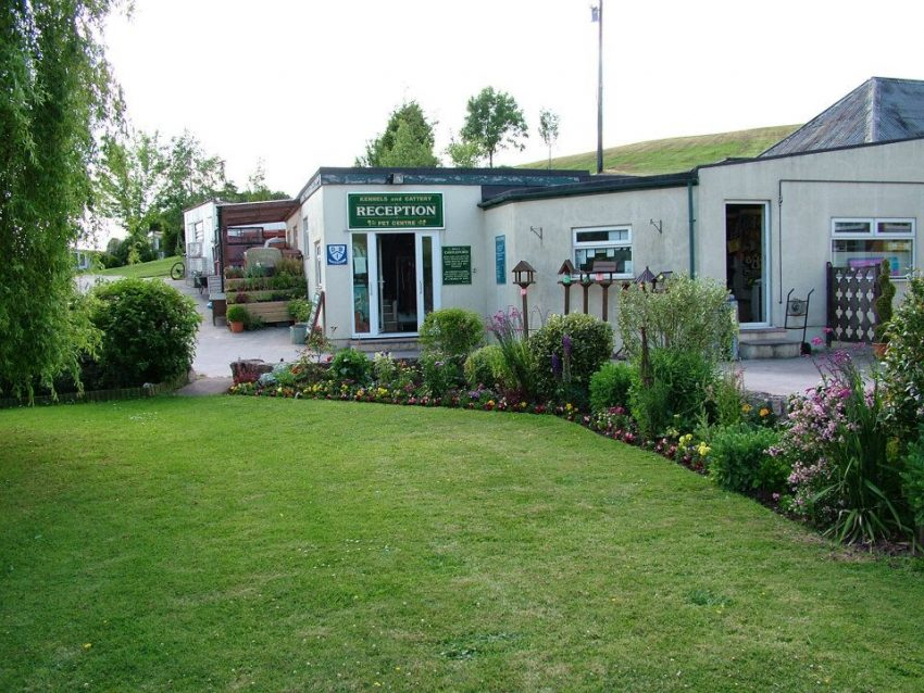 Castleford Kennels-  Pet & Koi Centre